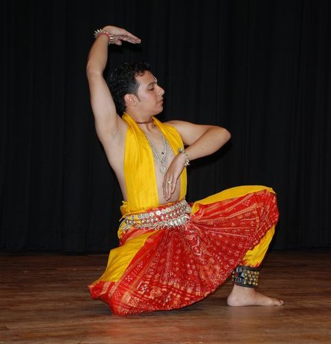 Stephen Rawinder Pikaar, a Dutch national learning Odissi, Anand Foundation